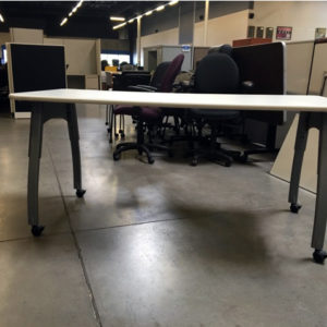 Training table height adjustable with casters