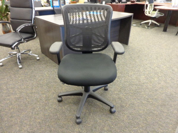 Alera Elusion Mid-back mesh task chair front view