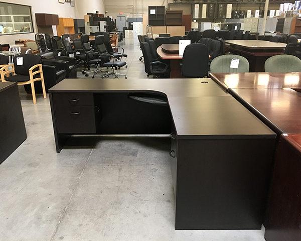 case-l-shape-blem-desks