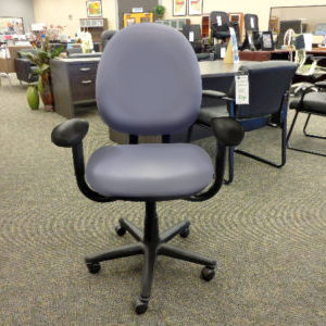 steelcase-criterion-lilac-task-chair-front-view
