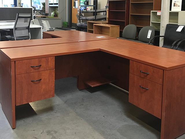 Used 2k L Desk Cherry Blem
