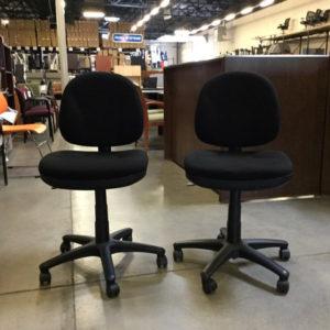 om-armless-task-chair-59