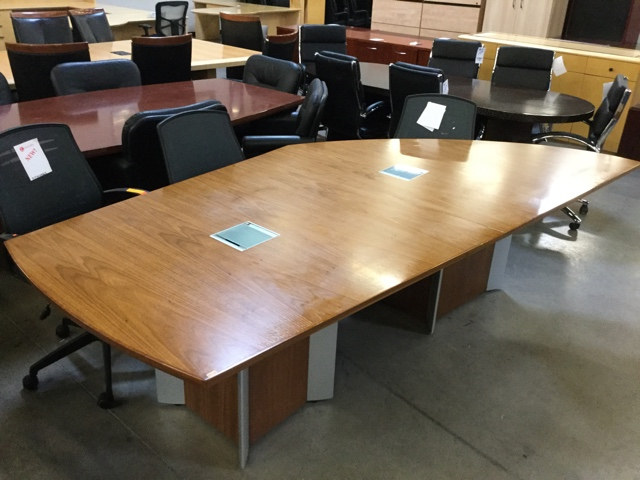 Used Asymmetrical Conference Table Oak Veneer Arizona Office - Used office furniture conference table