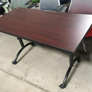 Training table mahogany